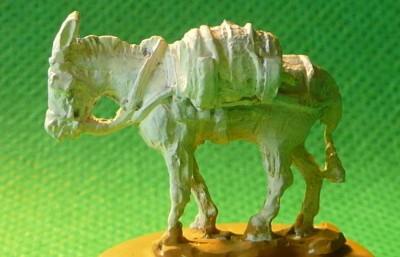 Esel mit Korb und Fass