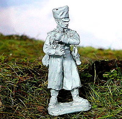 Preußischer Fahnenträger im Mantel