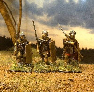 Römische Legionäre (gefechtsmäßig marschierend)