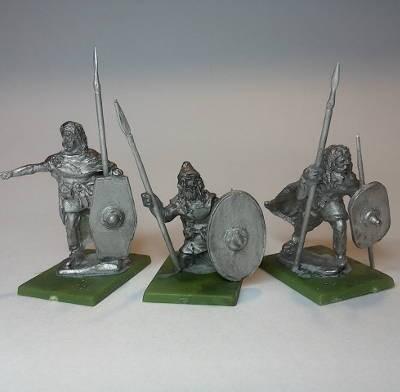 Germanische Krieger abwartend (1 - 3 AD)